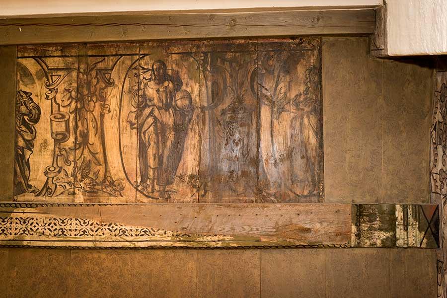 Deckenmalereien und Gotlandplatten