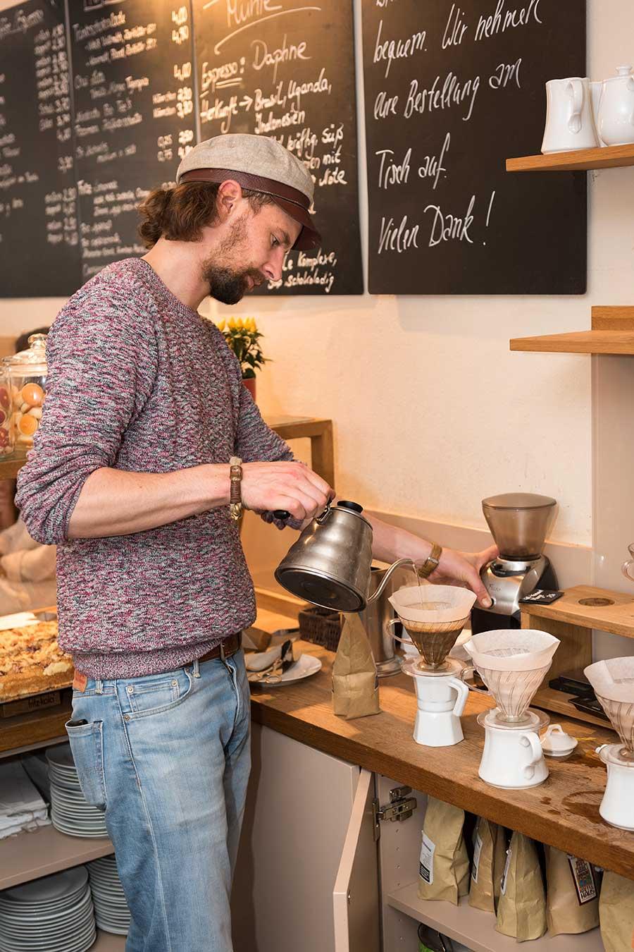 Kaffee Zubereitung mit Handfilter