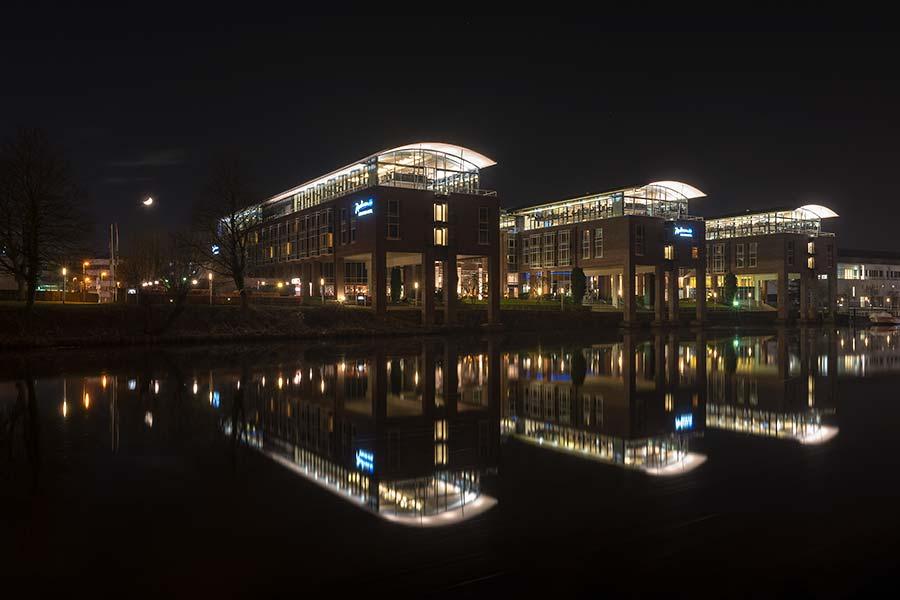 Blu Senator Hotels mit Mond