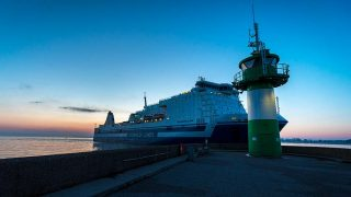 Schiffsverkehr an der Nordmole