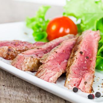 Steakstreifen im Salat