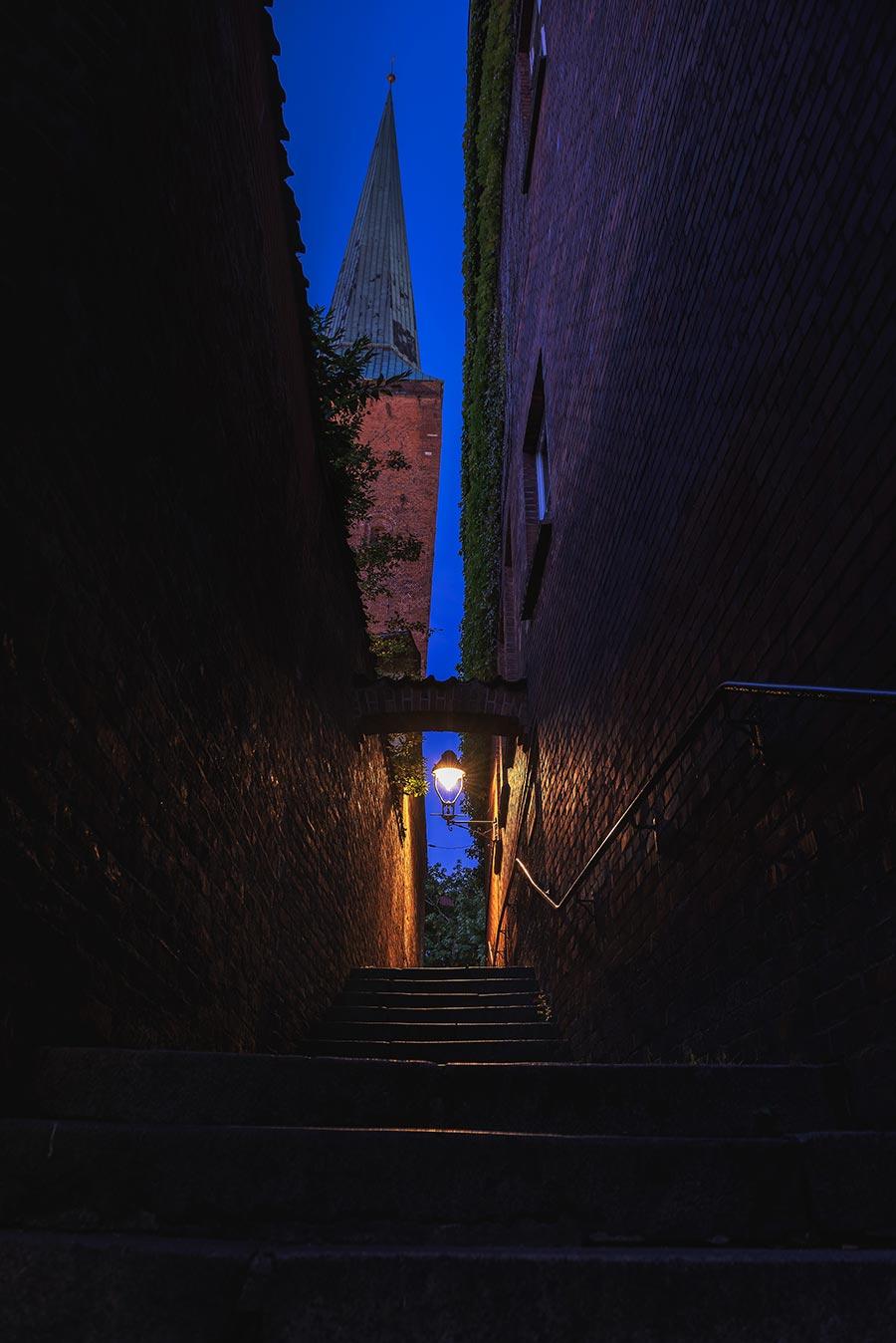 Blaue Stunde, Blick Richtung Dom zu Lübeck