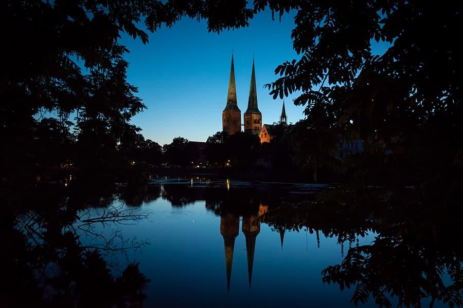 Dom zu Lübeck in der blauen Stunde