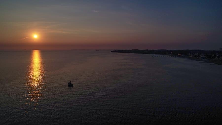 Sonnenaufgang an der Küste in Niendorf