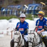 Zwei Polo-Spieler pro Team