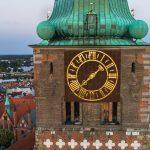 Uhr an der Jakobikirche