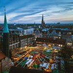 Der Weihnachtsmarkt in Lübeck auf dem Markt