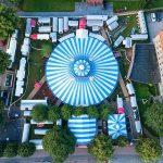 Zirkus in Lübeck von oben
