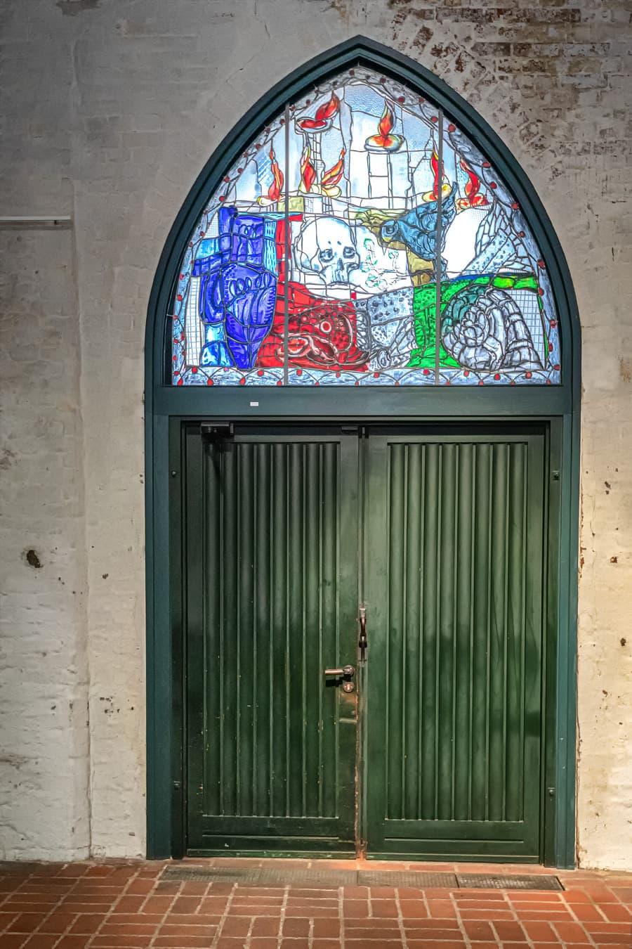 Glasmalerei von Markus Lüpertz Tympanonfenster (2002)