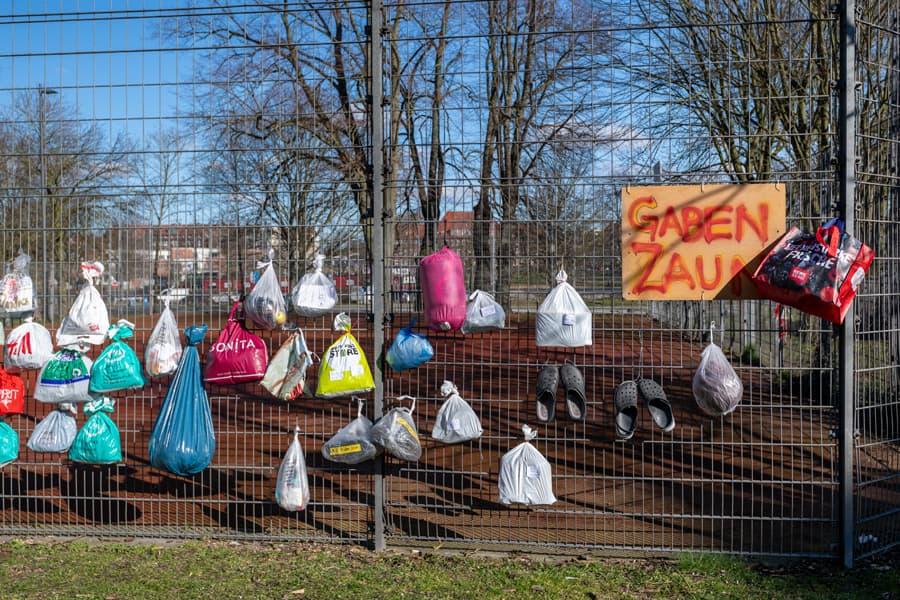 Spenden im Plastikbeutel